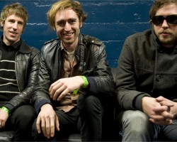 На фото A Place to Bury Strangers